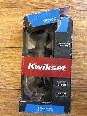Kwikset bed & bath door knob for Sale in Fresno, CA