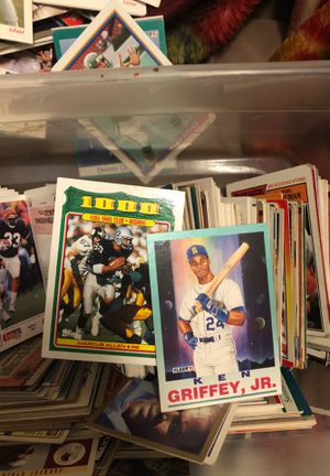 Vintage Football/Baseball cards for Sale in Belfair, WA