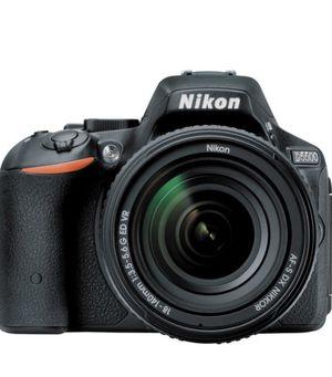 Nikon D5500 DX-format digital slr w/ 18-140mm VR Kit (black) for Sale in Hayward, CA