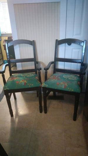 2 chairs for Sale in Durham, NC