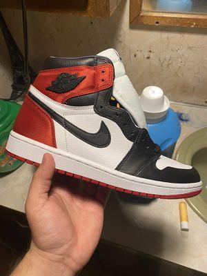 Jordan 1 Satin black toe Men's 9.5 Women's 11 for Sale in Harvey, IL
