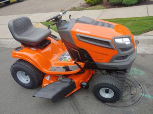 2019 Husqvarna 42 in deck riding lawn mower tractor for Sale in Aloha, OR