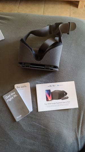 Google Daydream VR for LGV30/ V30+ for Sale in Palm Springs, CA