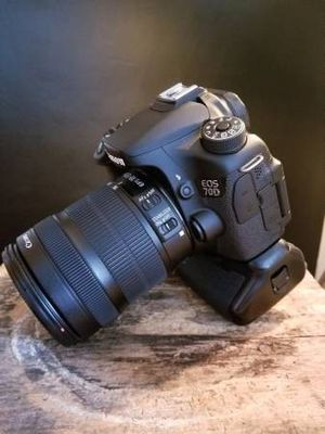 CANON 70D + 3 lenses for Sale in Pittsburgh, PA