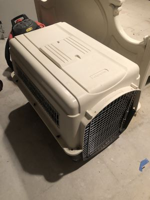 Large plastic dog crate - Bartlett, IL for Sale in Bartlett, IL