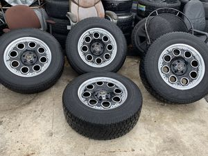 Rims 5x5 Bolt Pattern Jeep Gran Cherokee 99> Jeep Wrangler 2007>, Chrysler Pacifica 2004> . Excellent Wheels and Tires for Sale in Miami, FL
