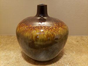 Vase for Sale in Lexington, OH