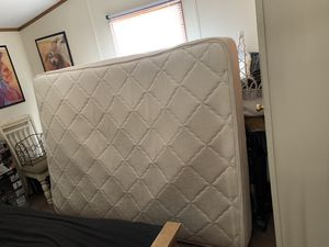 Queen mattress and box spring for Sale in Grand Isle, VT