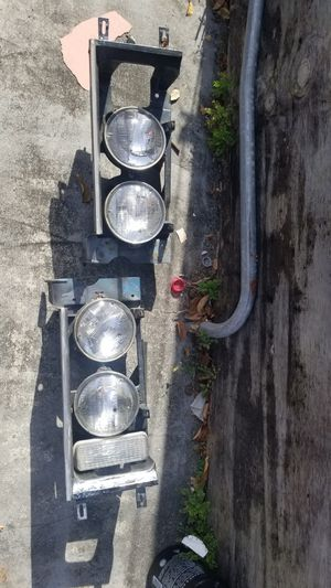 1975 Chevy Impala light buckets for Sale in Miami, FL