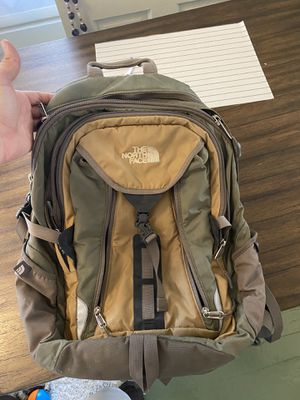 Tan and Gray North Face Back Pack / Laptop Backpack Holder / Camping Backpack for Sale in Columbus, OH