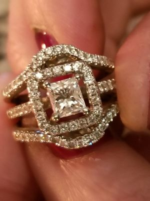Gorgeous Engagement/Wedding set!! for Sale in Hayward, CA