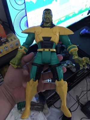 """Marvel toy biz 10"""" action figure for Sale in East Los Angeles, CA"""