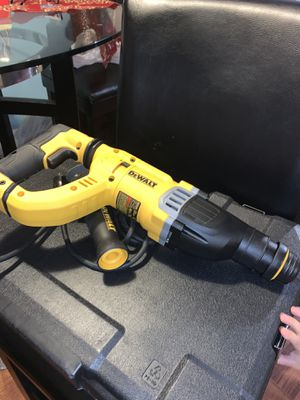 DEWALT 20-Volt MAX XR Lithium-Ion 1 in. Cordless SDS-Plus Brushless D-Handle Concrete & Masonry Rotary Hammer for Sale in New York, NY