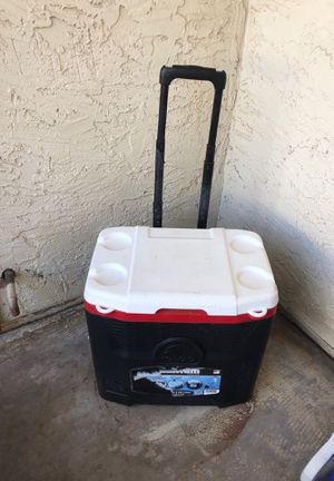 Cooler on wheels for Sale in Fort McDowell, AZ