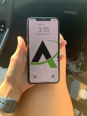ATT iPhone XS Max (Unlocked iPhone) for Sale in Cypress, CA