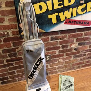 Oreck XL Vacuum for Sale in Silver Spring, MD