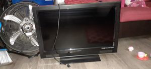 32 inch TV , used but in good conditions for Sale in Montclair, CA