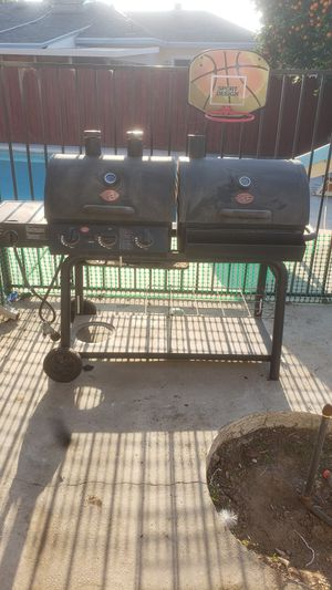Char-griller BBQ. for Sale in Riverside, CA