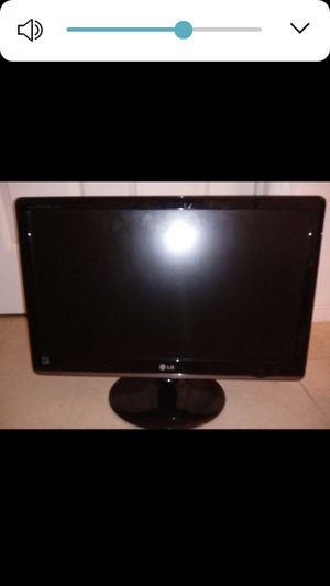 """LG 23"""" monitor for Sale in Naples, FL"""