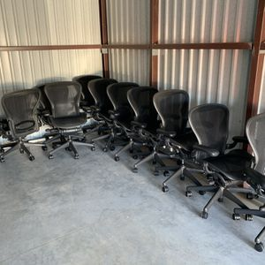 Herman Miller Aeron Size B for Sale in Winter Haven, FL