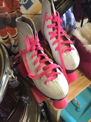 Roller skates size 1 white for Sale in Matawan, NJ