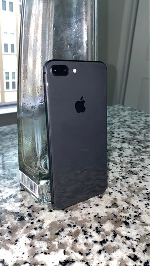 IPHONE 8 PLUS UNLOCKED !!!! Perfect condition OBO for Sale in Camp Springs, MD
