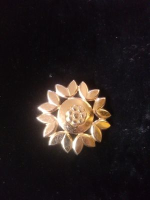 Vintage Estate Sale Brooches for Sale in Brentwood, CA