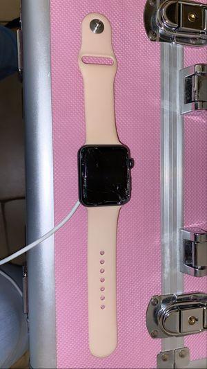 Apple Watch serie 3 40 mm broken for Sale in Las Vegas, NV
