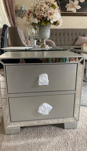 Night stand for Sale in Summerlin South, NV