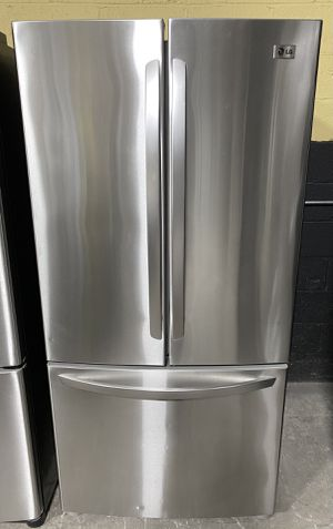 """33"""" LG Fridge W/Ice*FINANCE AVAILABLE for Sale in East Hartford, CT"""