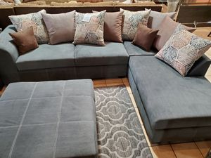 Sectional with Ottoman for Sale in Santa Fe Springs, CA
