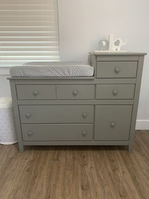 Baby dresser/changing table for Sale in Duncanville, TX