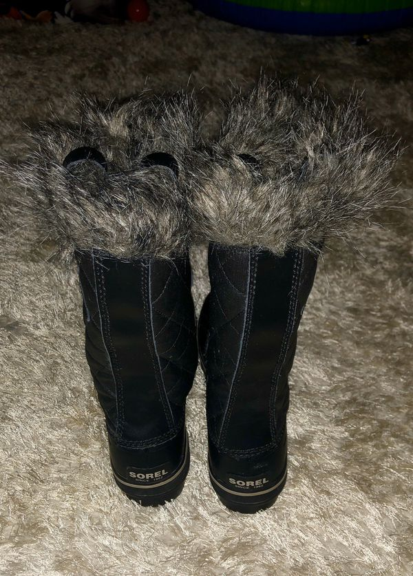 Sorel Women's boots brand new never worn. Paid 200$ size 8.5