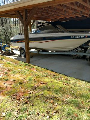 Boat bayliner 2001 for Sale in Lexington, NC