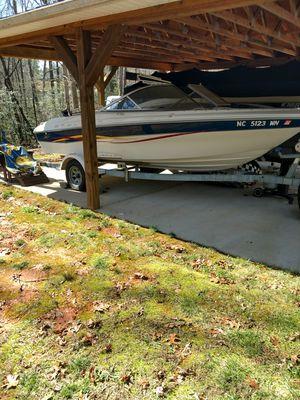 Boat bayliner 2001 for Sale in Lexington, NC