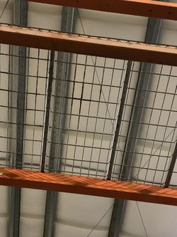 Rusty Rack Wire Grate Shelves for Sale in Lakewood,  WA