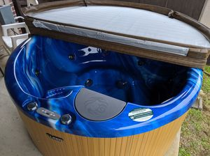 2019 Beachcomber Hot Tub - Free Delivery! for Sale in Plano, TX