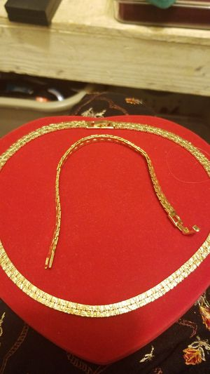 STUNNING GOLD PLATED NUGGET CHAIN WITH MATCHING BRACELET for Sale in Springfield, VA