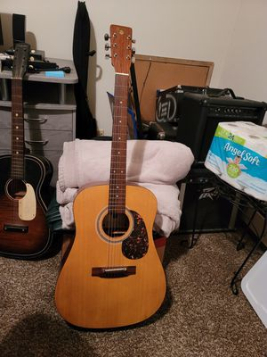 Bentley acoustic guitar for Sale in Oak Lawn, IL