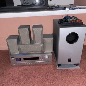 Onkyo 7 Piece Home Theatre System Surround Sound for Sale in Lodi, NJ