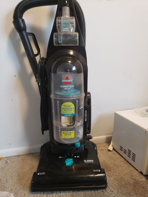 Bissell Cleanview helix vacuum for Sale in Bristol, CT