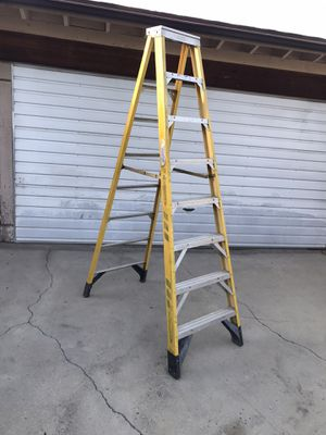 Werner 8' step ladder 375 lbs rated fiberglass commercial escalera 8 pies foot feet in good condition $135 in Ontario 91762 for Sale in Chino, CA