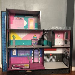 LOL dollhouse for Sale in Los Angeles,  CA
