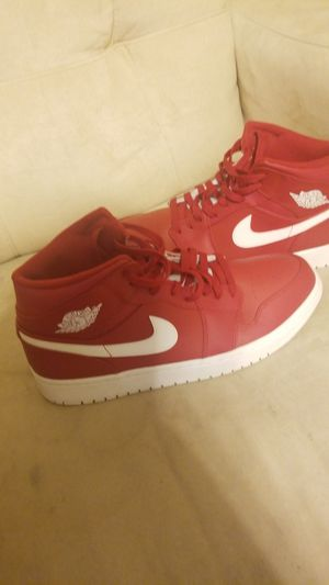 Jordan Retro 1s Size 12 Red and White for Sale in Pittsburgh, PA