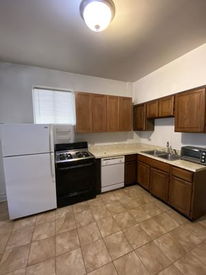 Full kitchen set - pick up in Chicago, Lincoln Park for Sale in Arlington Heights, IL