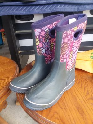 Girls rain boots for Sale in Armona, CA