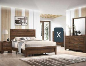 4PC QUEEN BEDROOM SET NO MATTRESS for Sale in Scottsdale, AZ