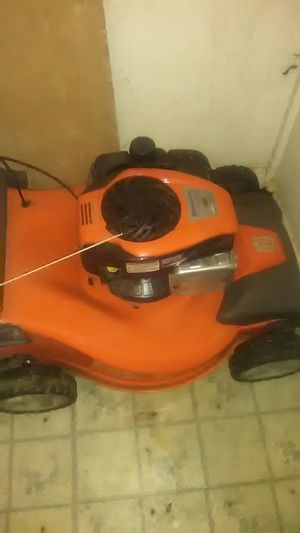 Husqvarna lawn mower.. Cut the lawn 4 times.... for Sale in Cleveland, OH