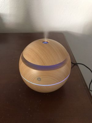 Air diffuser for essential oils humidifier mister for Sale in Sacramento, CA
