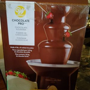 Chocolate Pro Fountain for Sale in Los Angeles, CA
